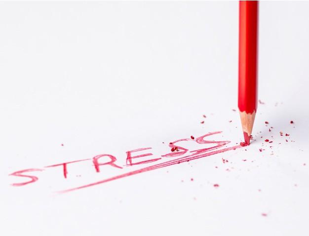 Где заканчивается плохое настроение и чем грозит затяжной стресс?